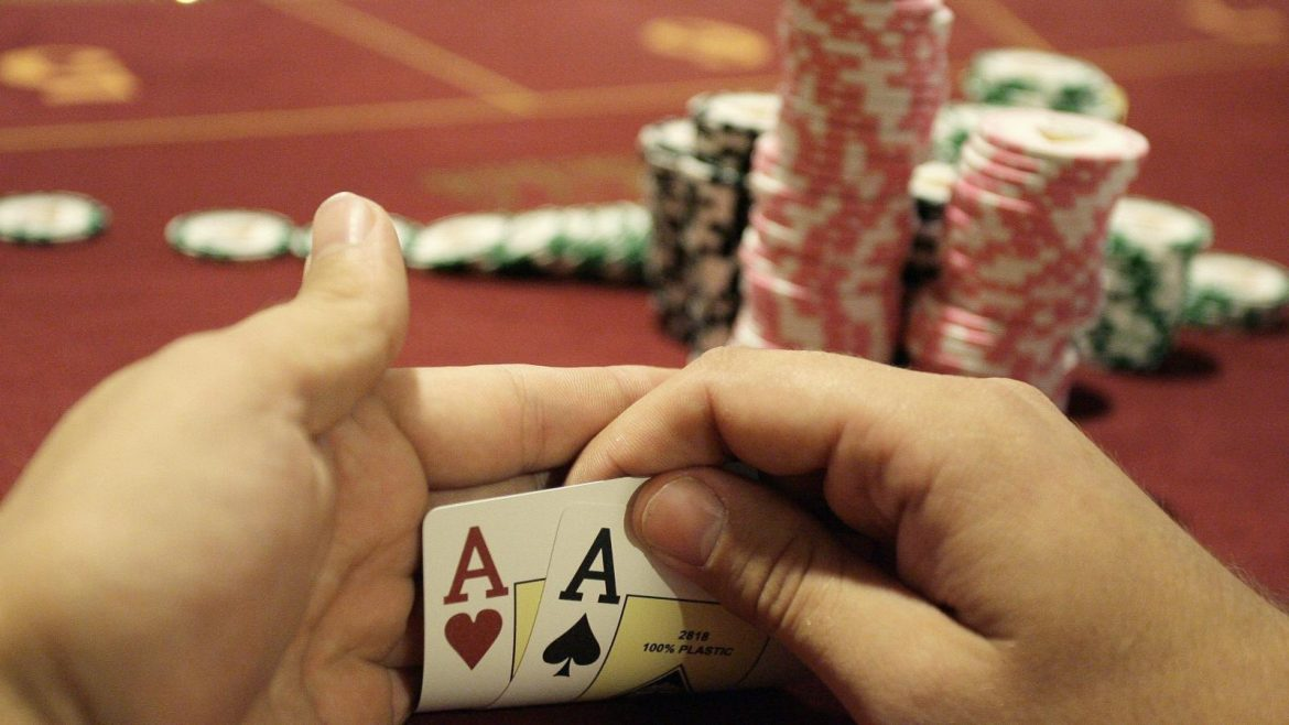 Play online casino games with ease